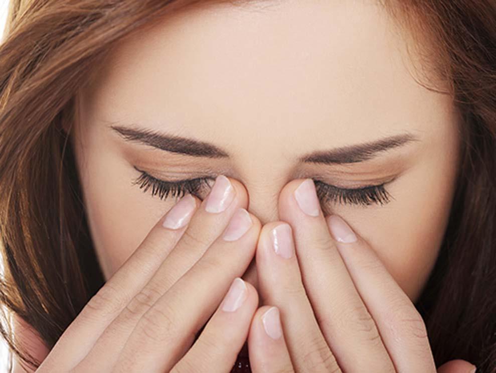 9 thói quen âm thầm tổn hại sắc đẹp của bạn